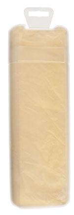 La peau de chamois se range humide dans son contenant en plastique