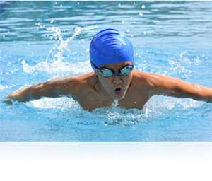 Nikon 1 J4 photo of a swimmer highlighting speed