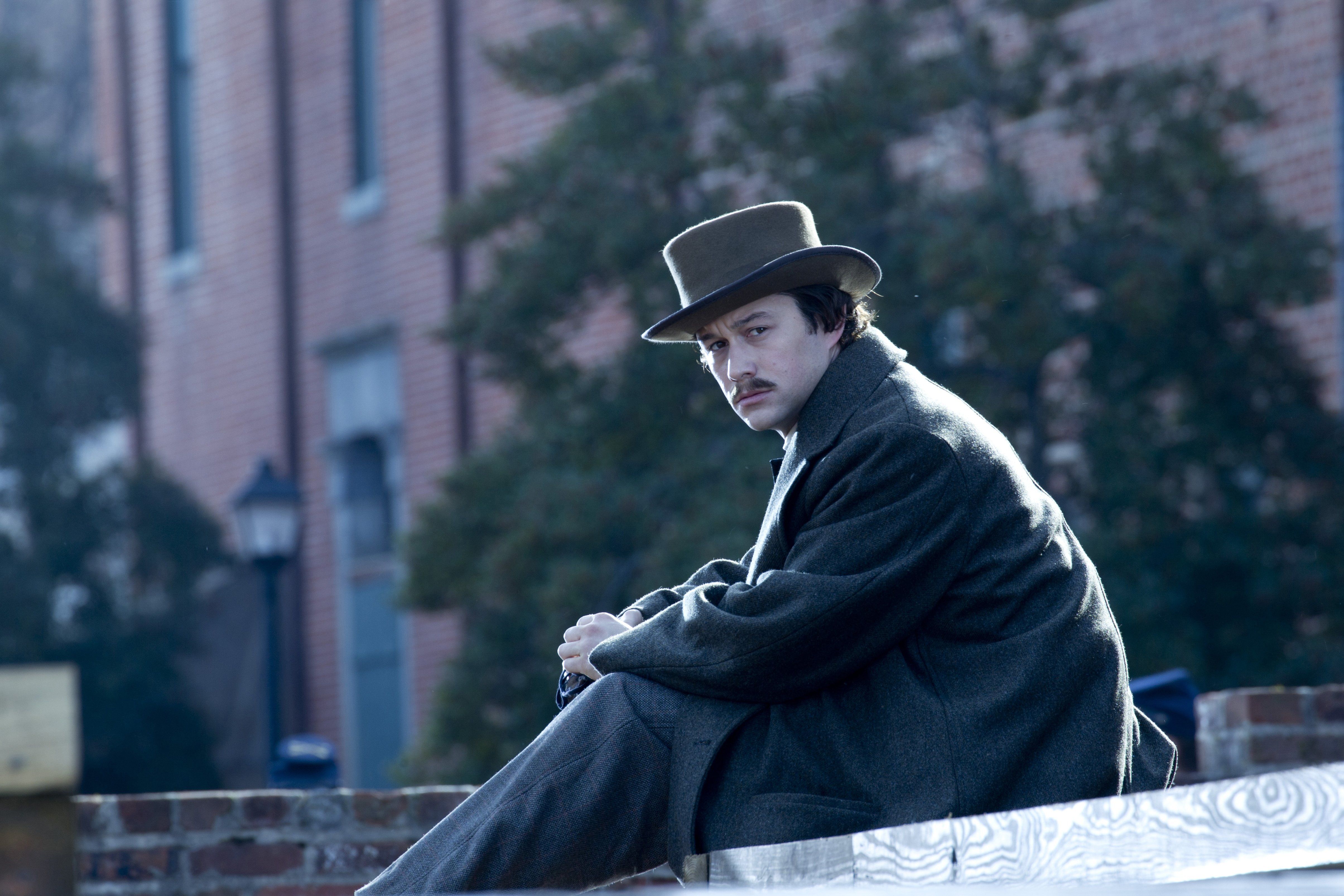 movie lincoln Lincoln movie reviews & metacritic score: lincoln is a revealing drama that focuses on the 16th president's tumultuous final months in office in a nation di.