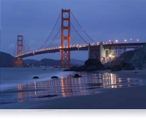 Photo of Golden Gate bridge at night taken with 1 NIKKOR 10-100mm lens