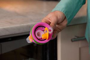 Contigo Striker spill proof valve