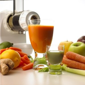 FRUIT JUICE EXTRACTOR efficiently juices hard and soft fruits: even citrus fruits, usually one of the hardest fruits to juice. VEGETABLE JUICE including carrots, beets, celery, peppers, and radishes without destroying the natural flavor and nutritional benefits. Fresh taste and full nutrition are guaranteed with this unique extraction process.