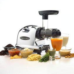 B001L7OIVI 8006 propped. V401165424  Juicer with Easiest Clean Up: Omega vs. Breville