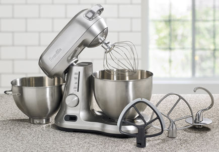 Breville BEM800XL Mixer Scraper Pro Stand Mixer and accessories