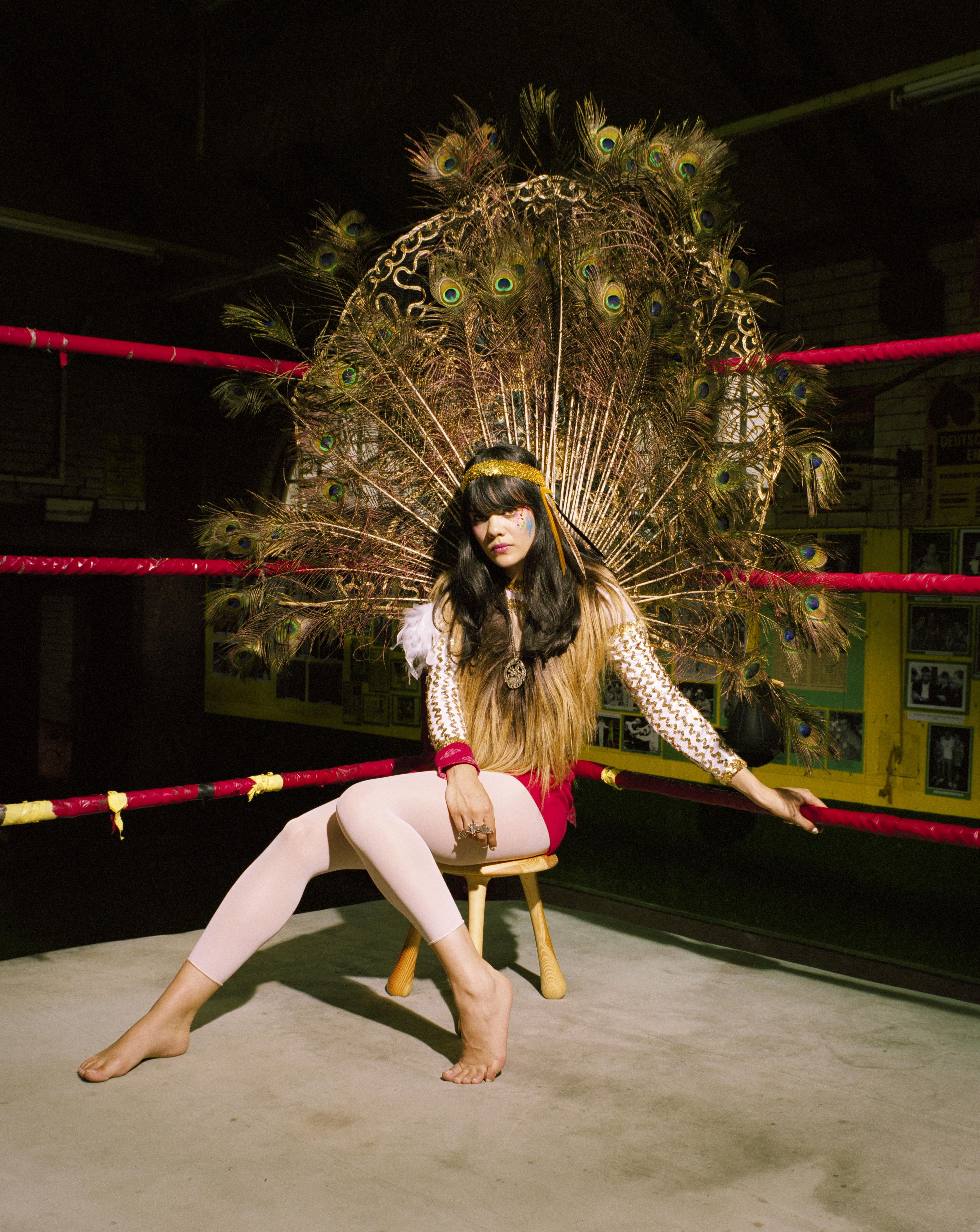 Amazon.com: BAT FOR LASHES: Fur & Gold: Music