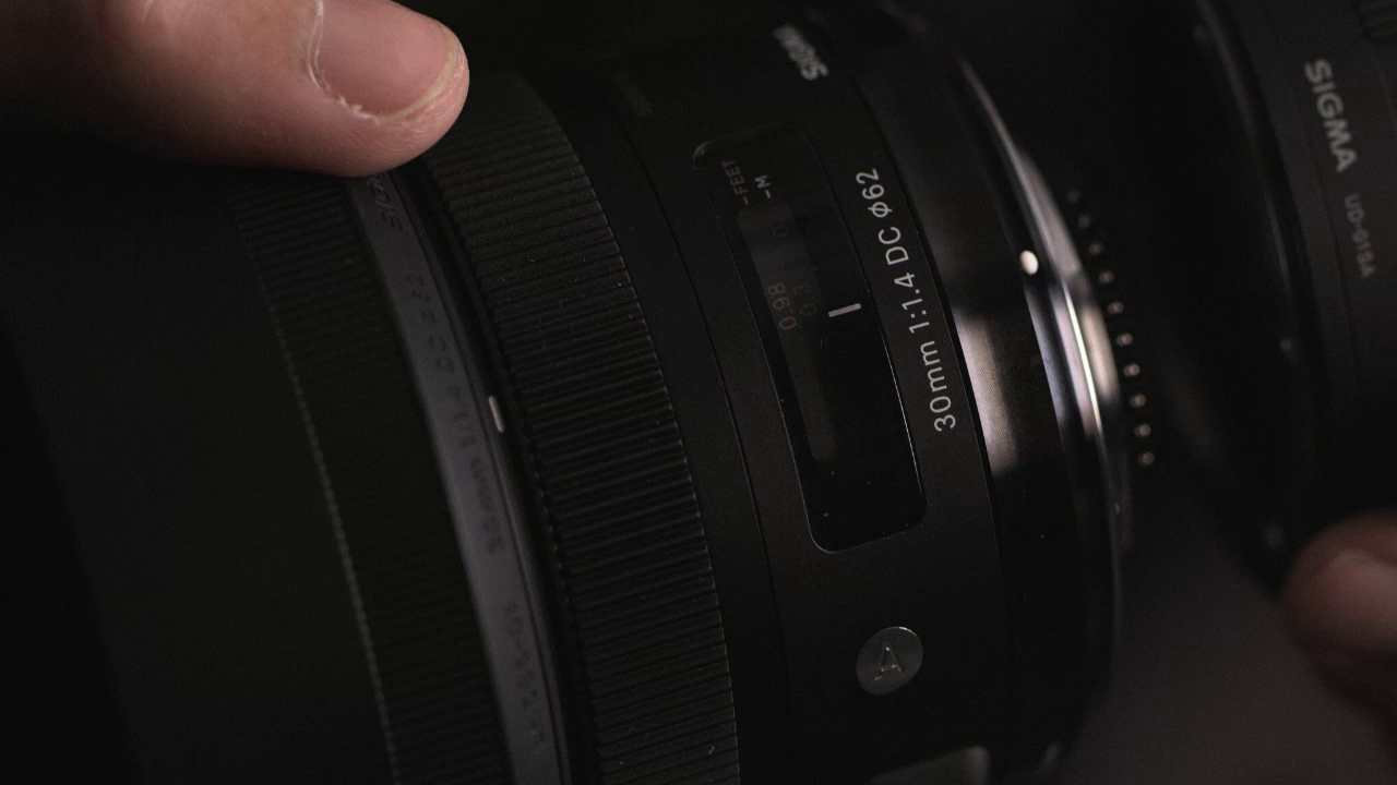 Sigma 30mm F1.4 DC HSM Lens by DPReview