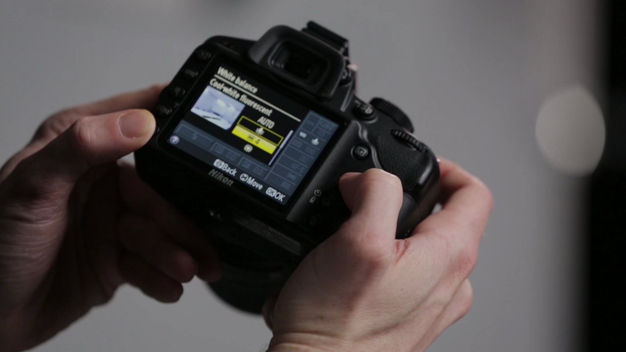 Nikon D3200 with 18-55 VR Kit by DPReview