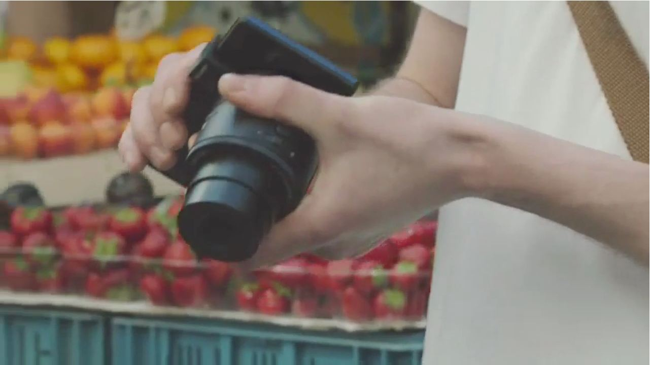 Smartphone-attachable QX-series Cameras by Sony