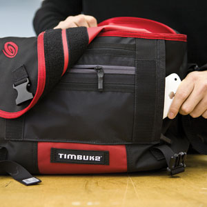 Timbuk2 Command Messenger Bag inside closeup