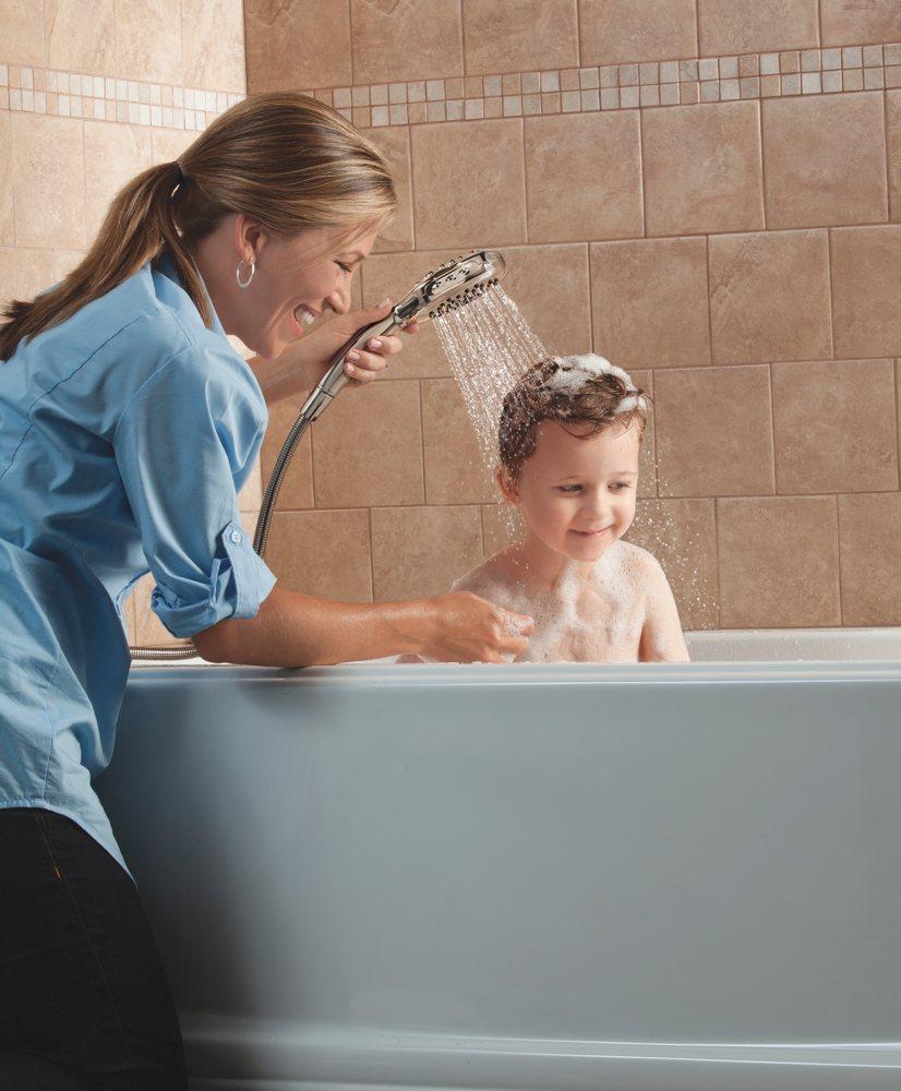 Children in shower Thursday, 8 August 2013