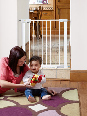 safety 1st simplement fermer le b b safety monte escalier porte guard m tal pet ebay. Black Bedroom Furniture Sets. Home Design Ideas