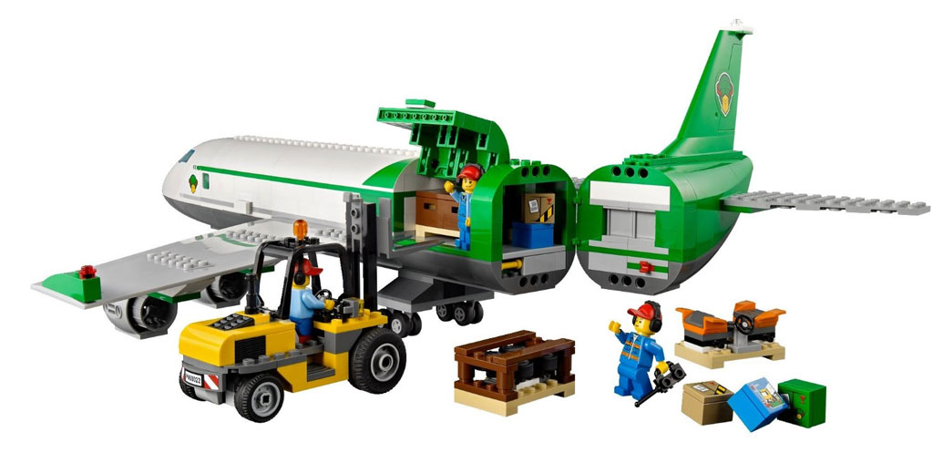 LEGO City Airport 60022: Cargo Terminal: Amazon.co.uk ...