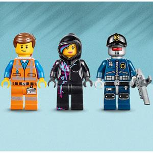 Includes three minifigures