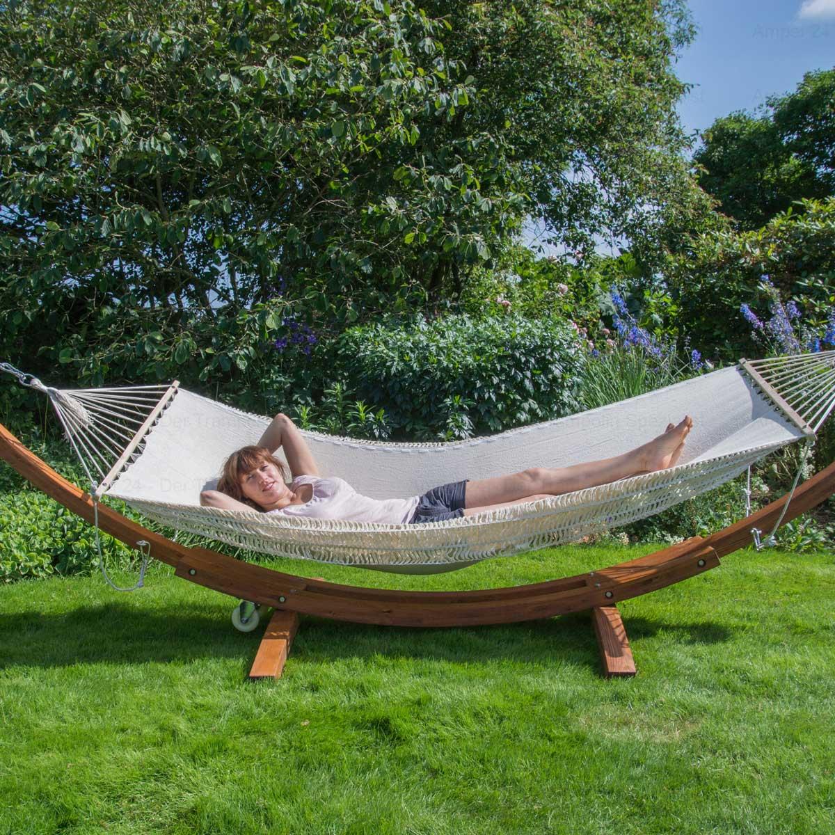 gro es edles h ngemattengestell madagaskar 400 cm holz braun inkl befestigungsmaterial. Black Bedroom Furniture Sets. Home Design Ideas