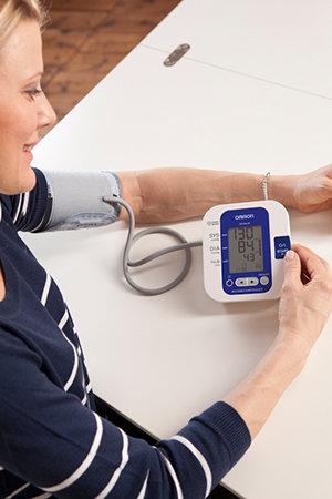 Anwendung Blutdruck Oberarm
