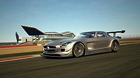 1.200 Fahrzeuge, hier der SLS AMG in der GT3-Version, lassen das Herz eines jeden Autofans höher schlagen.