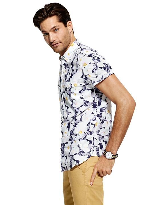 La chemise manches courtes