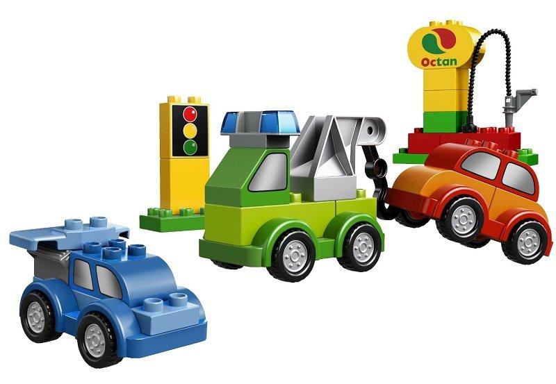 该套装拥有40件以汽车为主题的彩色积木,可以拼砌出不同的酷炫汽车!