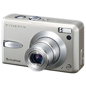 オリンパス CAMEDIA<br />デジタルカメラ ミュ-780プレミアムシルバー 710万画素 光学5倍ズーム ミュー780プレミアムシルバー   <br />